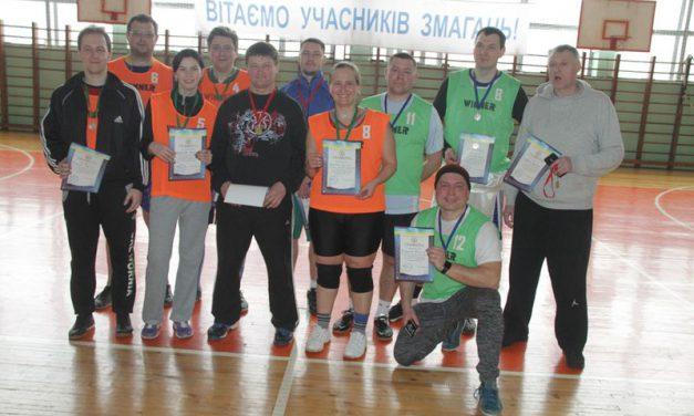 Спартакіада продемонструвала високий рівень фізичної підготовки викладачів і співробітників ЗНУ