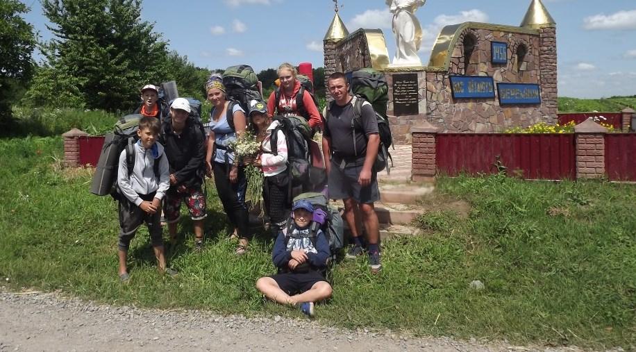 Вітаємо юних туристів Запорізької області з подвійною перемогою у Всеукраїнських змаганнях зі спортивних туристських походів  серед учнівської та студентської молоді